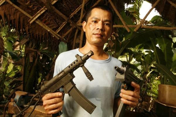 著名工匠:拉莫尼达是兵工厂里著名的造枪工匠。