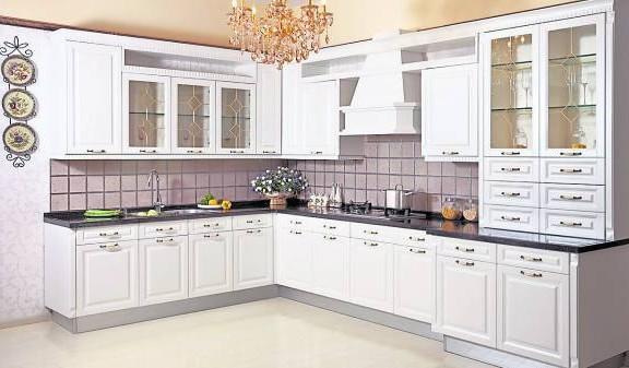 吴佰霖道长透露,厨房最好设在东南方位,才有利于主人。
