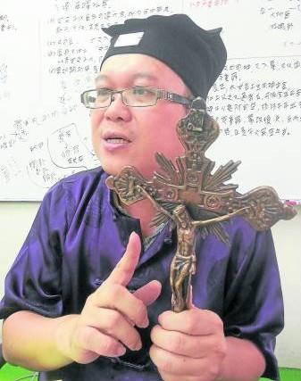 十字架在风水物里煞气极重,也可保护基督徒挡住凶煞。