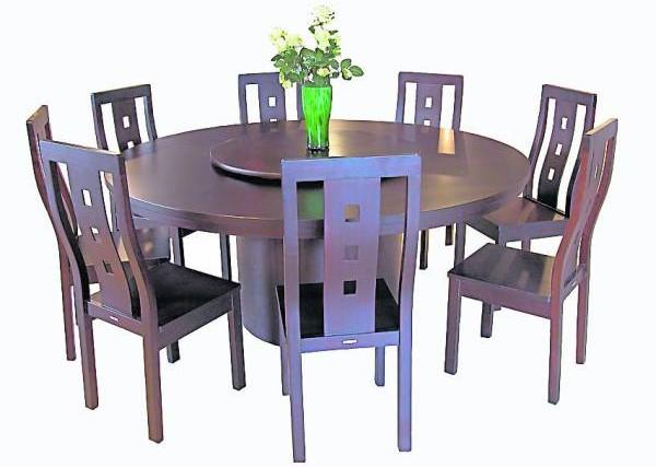 饭桌最好使用圆型的,在风水学上寓意着团团圆圆。