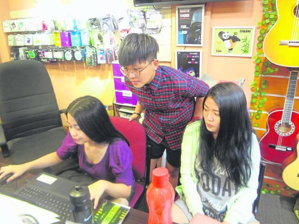 Gitaloha 团队正在合作编写教程。