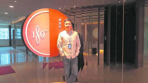 陈峰除了在广播界知名度大开,同时,他也自创了180广告公司。