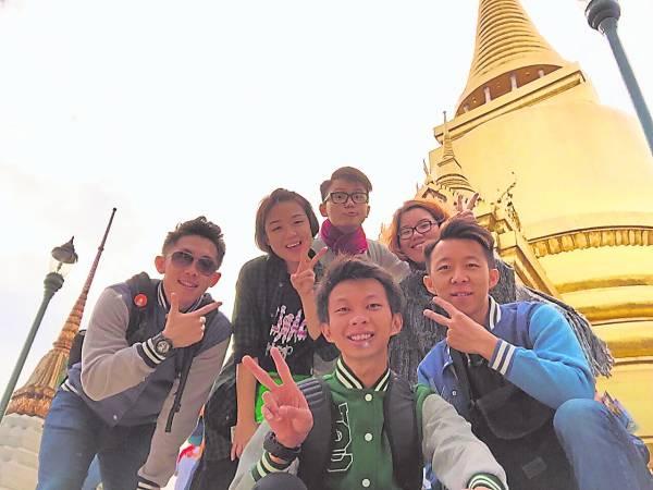 蔡昕乐与好友到曼谷旅游,聚旧又增进感情。