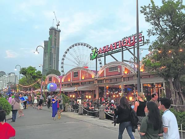 位于河畔的Asiatique The Riverfront,有许多特色店铺,是购物好去处。