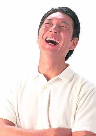 不要让自己钻进悲观的象牙塔,开怀大笑就会变得很简单。