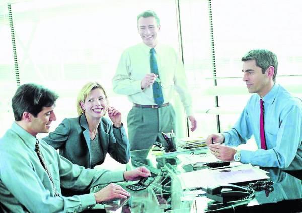 把陌生人当自己的同事或朋友,有效减低紧张的情绪。