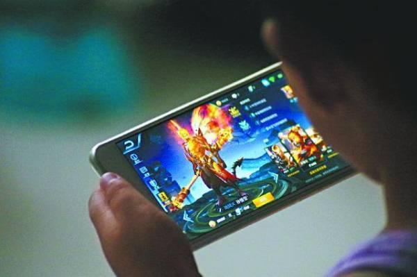 腾讯旗下手机游戏《王者荣耀》在本地也掀起一股热潮。