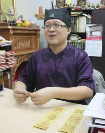 王忠文道长表示,由于夫妻流产后没有为死去的胎儿超渡,于是怀第二胎时也怀得不稳,才会一再流产。