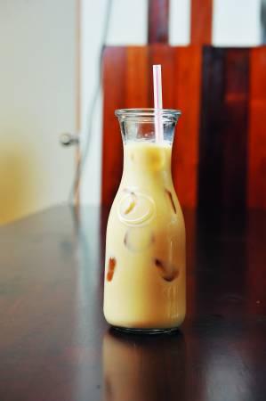 越式奶茶是另一热门饮品,喝起来有淡淡的茉莉香,味道与台湾奶茶有些相似。
