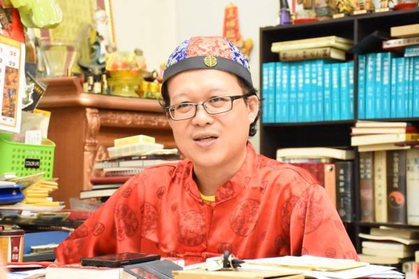 王忠文道长说他并不是鼓励大家转做赌徒,纯粹是想带出文王卦卓越的预测能力。