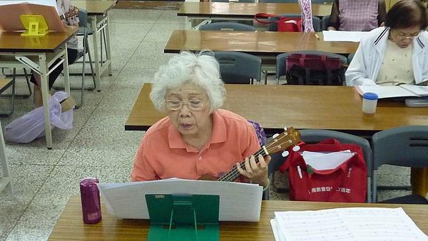 活到老,学到老,心境年轻,退休生活也能充满活力。