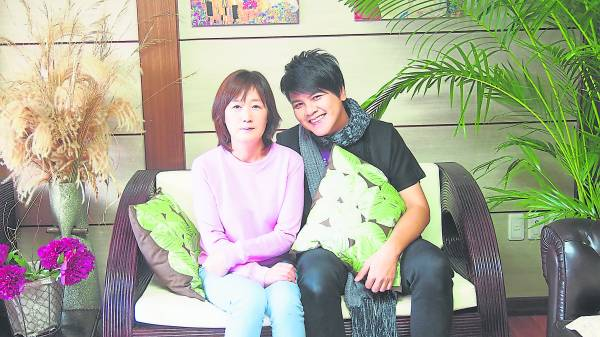 虽然语言沟通上有问题,但韩国人的友善态度仍赢得理杨強的赞赏。