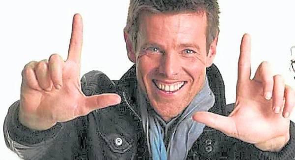 Stuart Reed的手具有亲和力,大学试镜的时候,就被广告商看中。