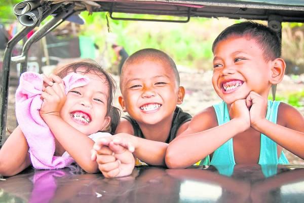 """菲律宾怪名甚多,有的叫""""屁股"""",有的""""蜜糖"""",上至家族姓氏,下至外号昵称,当地人也见怪不怪了。"""