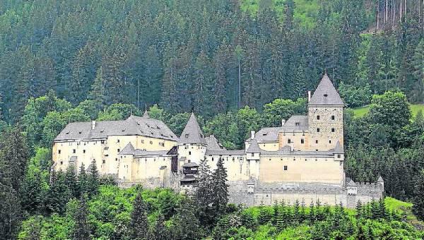 传闻,有数以千计的妇女在莫斯哈姆城堡的地牢遭到杀害。