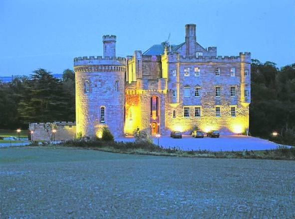爱丁博格城堡在当年是瘟疫者的坟场。