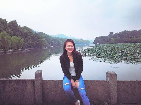 西湖景色深深吸引了Agnes 王柔霖,甚至表示若自己有间屋子在西湖,每天都会到这里傍湖水晨跑。