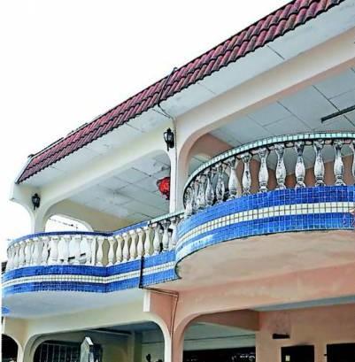 半圆形状的阳台或浪型的屋瓦,有助化解凶煞及牵引至其它方向。