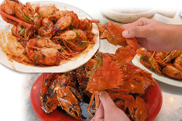 新鲜又肥美的海鲜,又怎么能错过呢? 海浪声饭店 地址:31, Bagan Parit Baru, 45200 Sabak Bernam, Selangor Darul Ehsan. 卫星导航:3.846431, 100.844090 联络号码:016-610 3770 营业时间:12pm 至11pm
