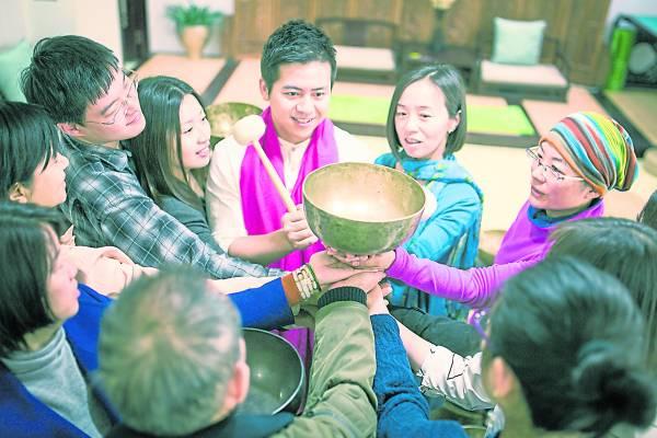 颂钵音疗是一套拥有千年历史的古老疗愈法门,在西方国家盛行多年,近年来,在我国也逐渐兴起。