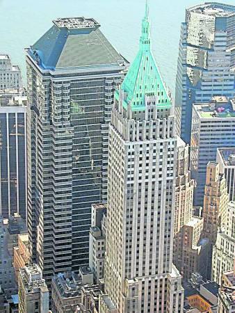 特朗普绿色楼顶财气冲天。