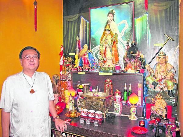 蔡师父特地从台湾请了九尾狐仙皇娘娘的塑像安奉在代天阁中。