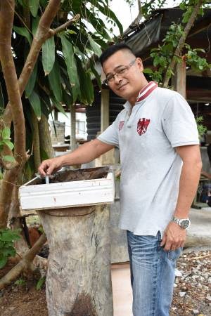 """""""纯天然蜜源,全手工采撷,做良心产品,带动旅游业,带动经济。""""赖姜宇的经营理念乃长远奋斗目标。"""