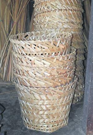 林氏夫妇的手工编制竹箩,精致又耐用。