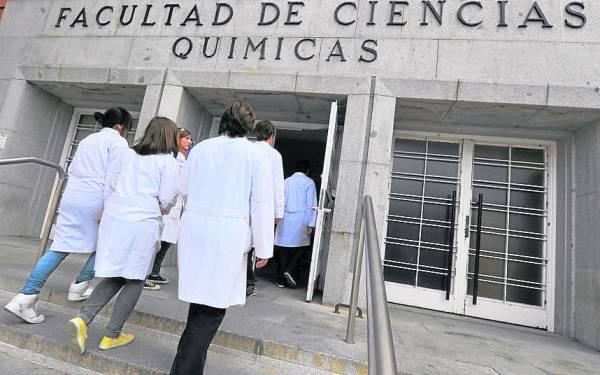 校方严控解剖及人类胚胎学第二部门地下室的人数,只有不到20个员工可以进入地下室。