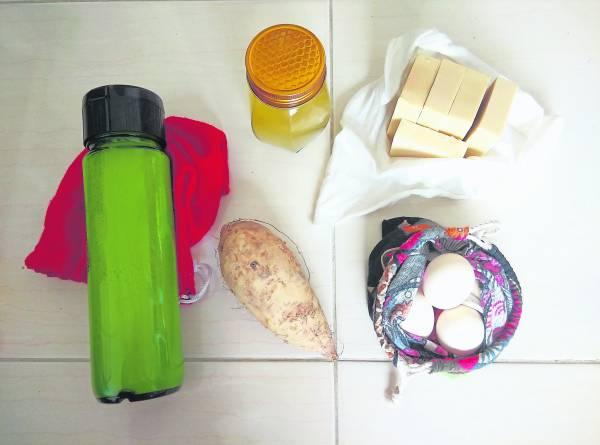 出外采购食品, 也买回几块裸包装手工皂。