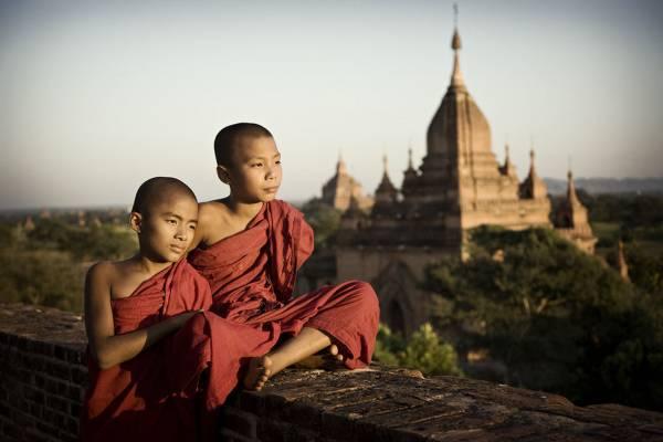 """缅甸是佛教国,一些民间组织以布施和施舍来庆祝""""偷鸡节"""",不鼓励去偷去窃。"""