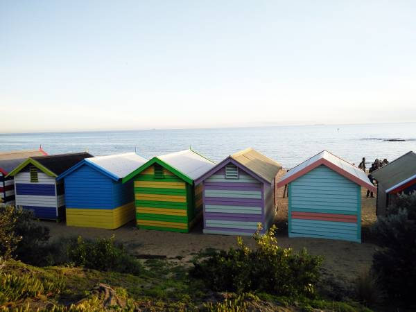 Brighton Beach Bathing Boxes的彩虹小屋色泽缤纷,简直让人一见即喜欢。