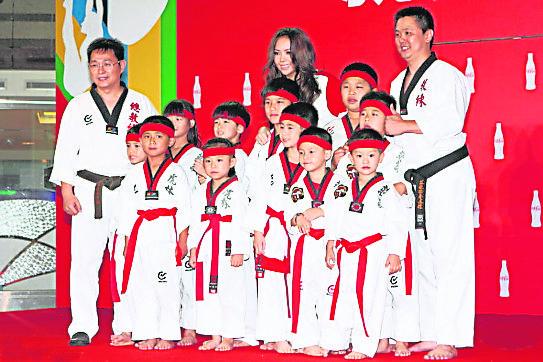 早前出席跆拳道活动时,看到跆拳道在台湾得以在新生代里广泛流传而感到欣慰。