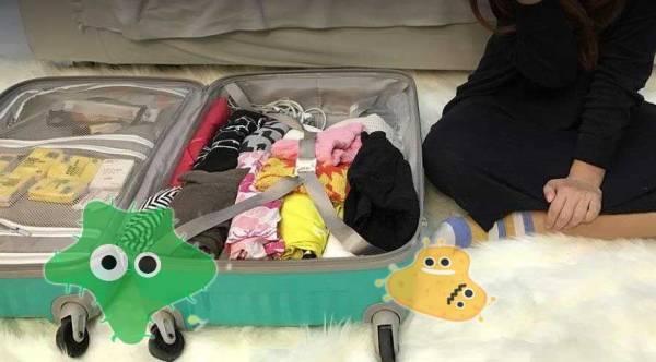 一般酒店房备有行李架,除了卫生避细菌,也方便不用弯腰收拾,要好好利用啊!
