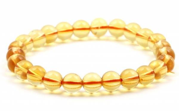 黄水晶可以招财,又是肖鸡者的开运颜色,简直一拍即合。