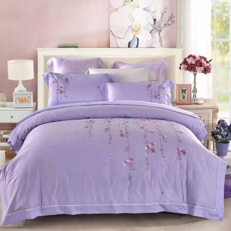 2018九紫天喜星进入中宫位置,如果房间的中宫位置,今年又想增添受孕的机会,可以用紫色的床单、被单,提升机率。