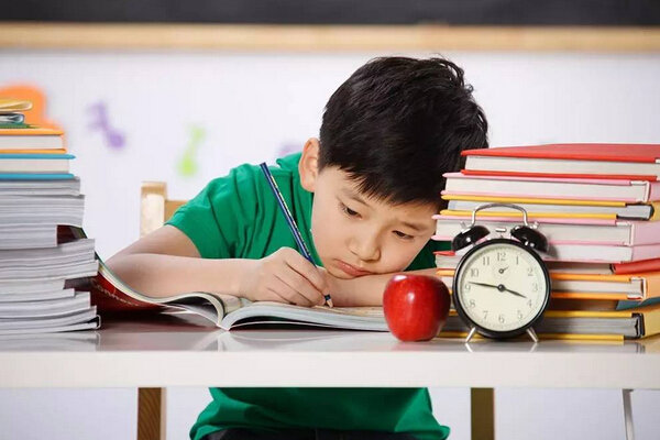 """想要增强孩子的学习兴趣,父母就要在文昌位""""动动手脚""""了。"""