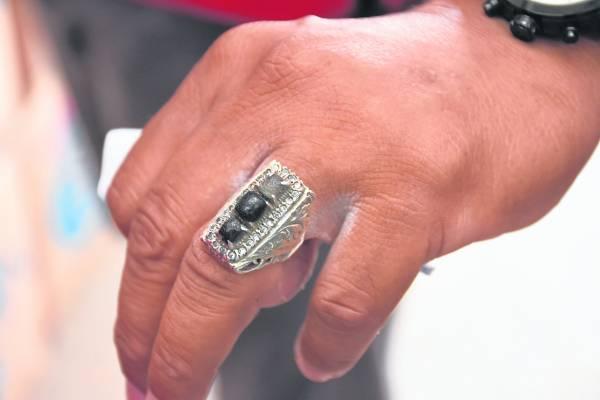 哥木哥戒指,一枚价值可高达数百甚至数千元。