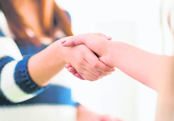 通过握手可知该女性是否好福气!