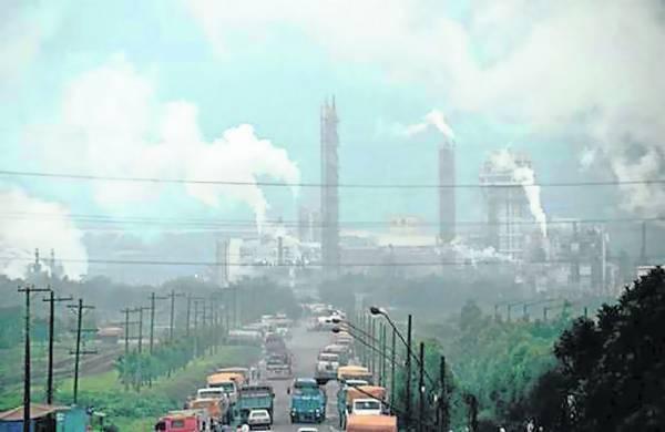 因经济发展的需要,在20世纪60年代,库巴唐引进了炼油、石化、炼铁等外资企业300多家,导致环境受到严重的污染。