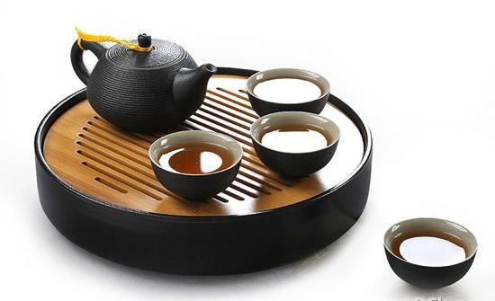 没想到茶具也有招财的功效。