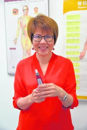 方綉莺医师表示韩式微颜针在韩国相当普遍,因为有效、少痛、少副作用因此已掀起一股风潮。