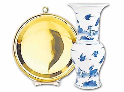 """一道斜门在配合铜镜和古董瓷樽,虽可""""吸金入袋"""",不过一旦摆错分分钟弄巧反拙。"""