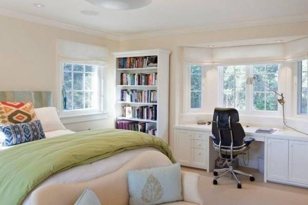高大的书柜忌放置在卧房内,因为不利于健康,甚至让人有压迫感。