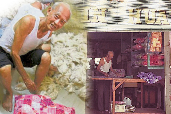 拥有60多年缝制棉褥经验的王振万依然坚持手工缝制。