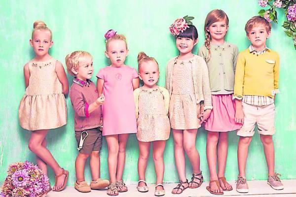 Amelia 也是著名童装Poney公司亚洲唯一的模特儿,合作长达四年之久。