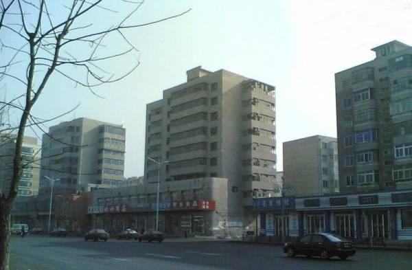 居民表示鬼楼的质量不错,如今废置多年而感可惜。