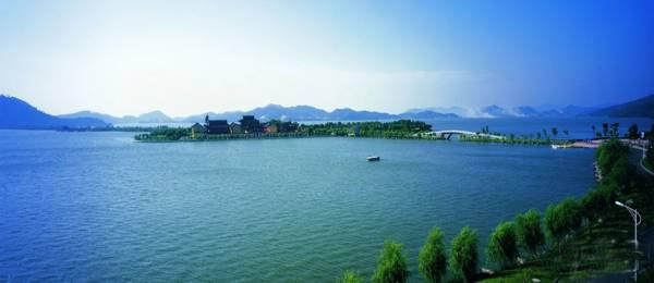鄱阳湖是中国最大的淡水湖,可是数百年来,有不少渔民葬身此湖。