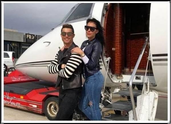 C罗的私人飞机似乎略胜一筹。