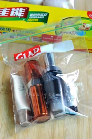 若行李中有液体,可以预先以密实袋装好。